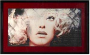 cadre fond rouge baguette noire