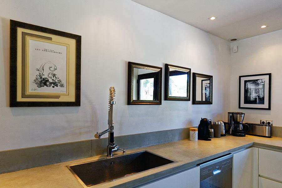 encadrement villa luxe cuisine
